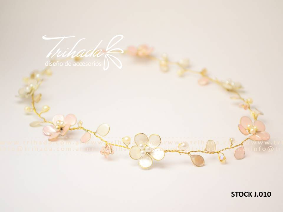 Tiara de 6 florcitas cortejo